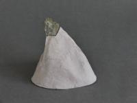 2017 - Ile - pierre, papier de soie, colle - 21x16x135cm