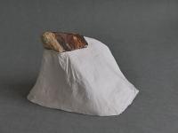 2017 - Ile - pierre, papier de soie, colle - 17x14x165cm