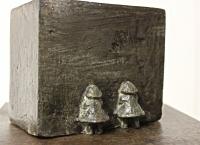 2014 - Petite fille en boite - bronze - 8,5x6x10cm