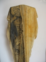 2004 - Robe des maux - latex et mine de plomb - hauteur-150cm